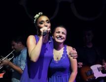Мария Илиева в дует с Поли Генова на Hacienda Beach