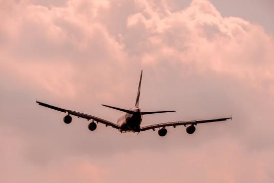 aircraft-1526567_960_720
