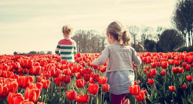 Мадлен Алгафари: Добрият родител не предпазва от падане, а пръв превързва рани