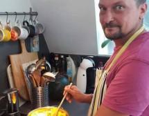 """Мъже готвят. Крем супа от тиква """"Хокайдо"""" с джинджифил от Райчо Ангелов"""