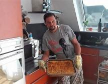 Мъже готвят. Класическа мусака с кайма и заливка от Райчо Ангелов
