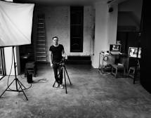 Брайън Адамс открива лично своя изложба в София