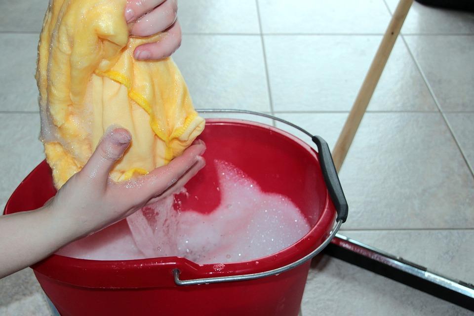 putz-bucket-1290940_960_720