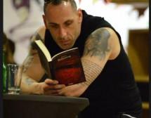 Какво чете писателят Васил Панайотов