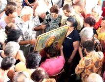 Чудотворни икони, свещени места и лековити води в България
