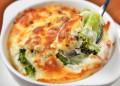 Гювече с броколи и сирене