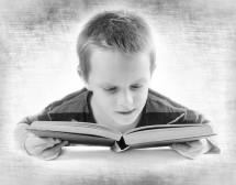 Момчетата четат по-малко и пропускат цели страници