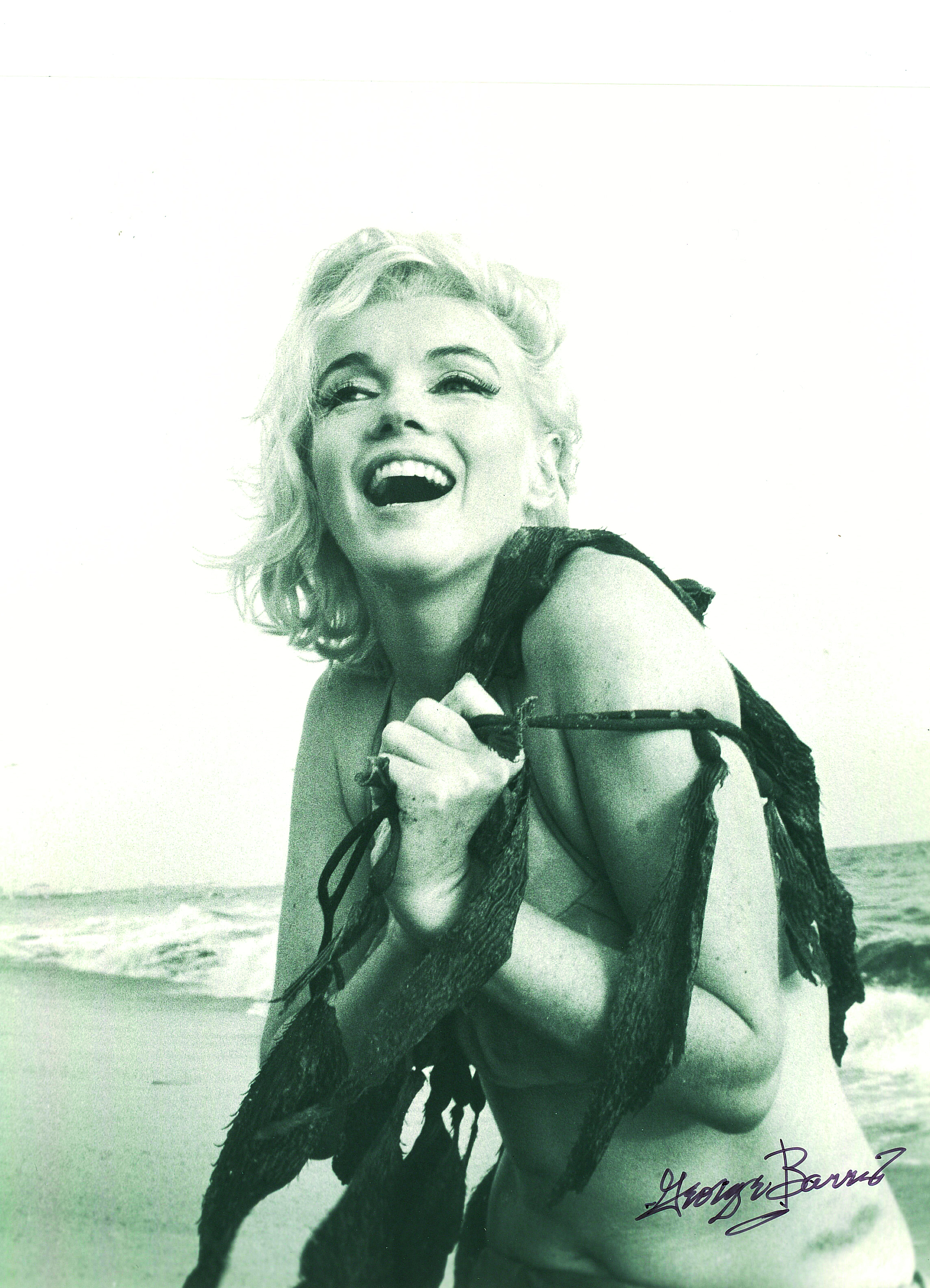 6_George Barris_Marilyn Monroe_Santa Monica Beach_1962_copyright George Barris