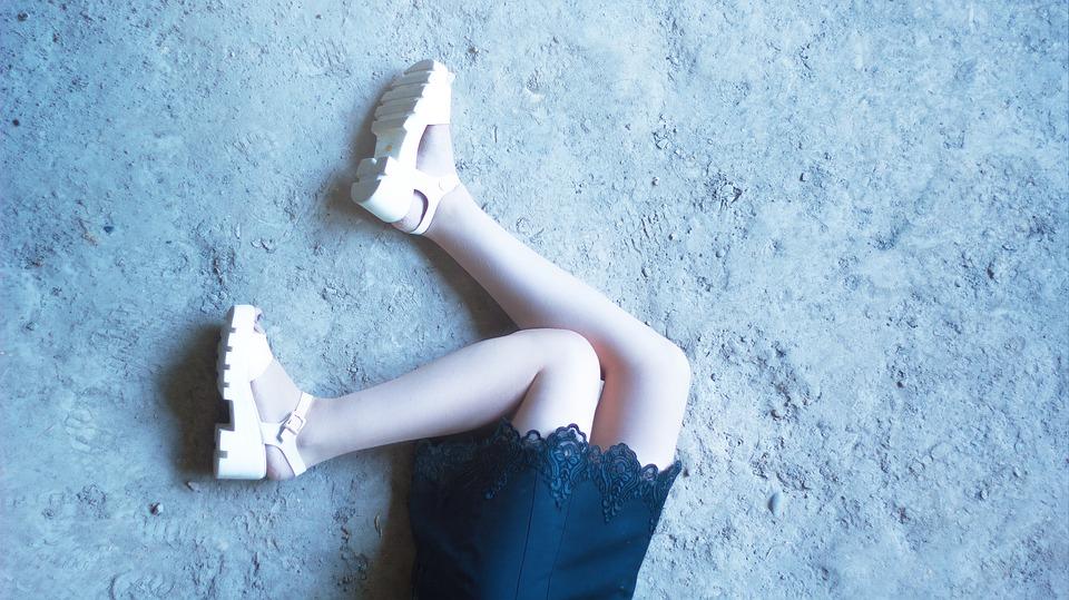 feet-girls-1386196_960_720