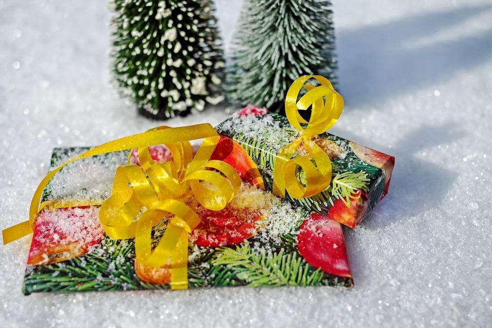 gift-1808805_960_720