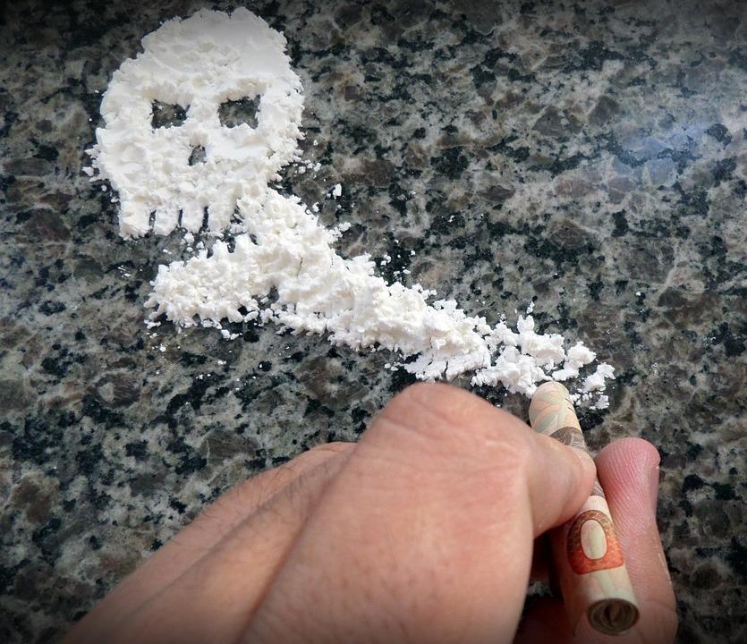 cocaine-396751_960_720