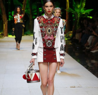 dolce-and-gabbana-summer-2017-women-fashion-show-runway-01 (2)