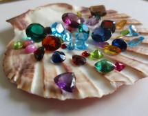 Магическата сила на скъпоценните камъни