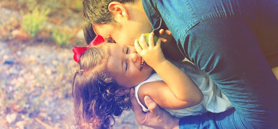 parents-and-children-1794951_960_720