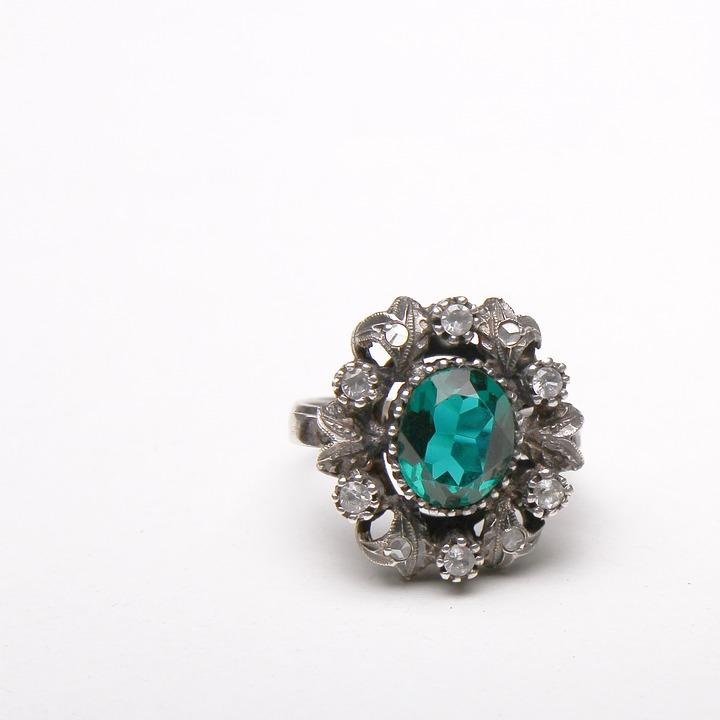 ring-1110322_960_720