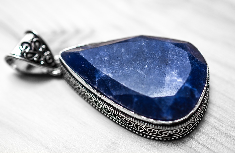 sapphire-1433293_960_720