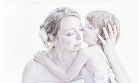 Детето Телец забравя ината си с целувка