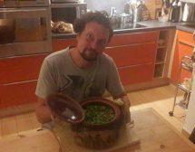 Мъже готвят. Гювеч със свинско, картофи, патладжан и гъби