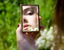 Пубертетът и момичетата – целият Аз се превръща в тяло
