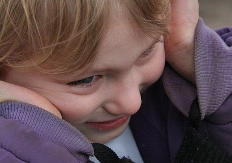 Каква е връзката между аутизма и щитовидната жлеза?