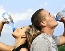 Какво се случва, когато пиете вода на гладно?