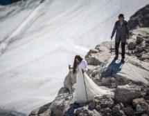 "Рокля на София Борисова ""се качи"" на ледник в Алпите"