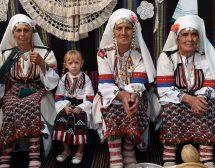 14 фотографи представят древните ни обичаи в Москва