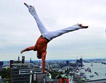 Енчо Керязов за ползата от гимнастиката в двора