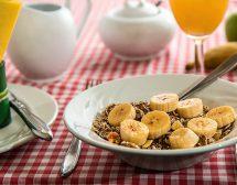 Храните, които помагат за здрав сън