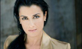 Александрина Пендачанска празнува 30 години на сцена