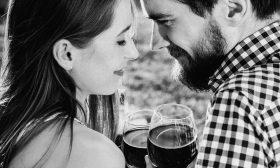 Какво е общото между любовта и алкохола?