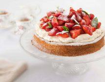 Целувчена торта с лешници