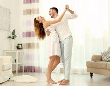 Какво да направят мъжете, за да подхранват радостта и обичта в жената