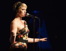Многоцветните музиканти на Postmodern Jukebox идват в София
