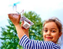 Мини водородни коли на деца и младежи пред НДК