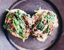 Пълнен картоф с гъби и спанак