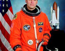 """Мъжът, който се """"разходи"""" шест пъти в Космоса"""