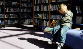 Малките деца искат и могат да се научат да четат
