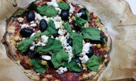 Нисковъглехидратна пица от тиквички и извара