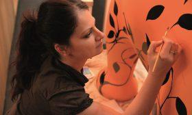 Паола Минеков: Художникът вижда дори със затворени очи