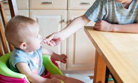 Как да захраним кърмачето