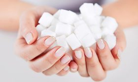 Как да се справим със зависимостта към захарта?