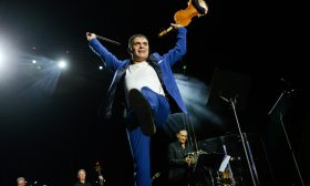 Васко Василев омагьоса 14 000 души с цигулката си