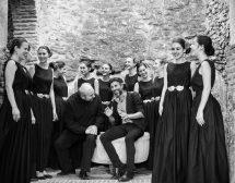Еструна се завръща на българска сцена