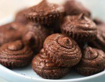 Шоколадови мини мъфини с чили и зехтин