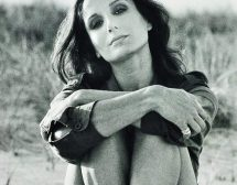 Нати Абаскал – испанската модна икона на 75