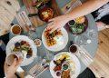 Сезонът на неделната закуска