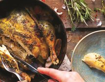 Печено цяло пиле с билково масло