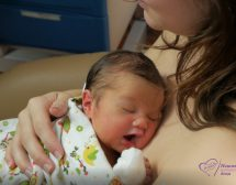Спасителна прегръдка за недоносените бебета