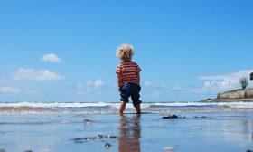 Не вкарвайте детето насила във водата
